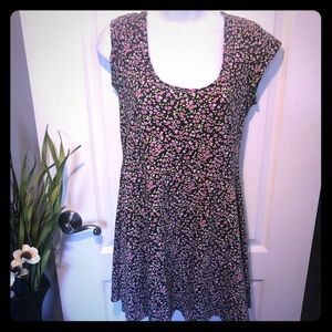 🌷American Eagle Floral Dress with Back Cutout